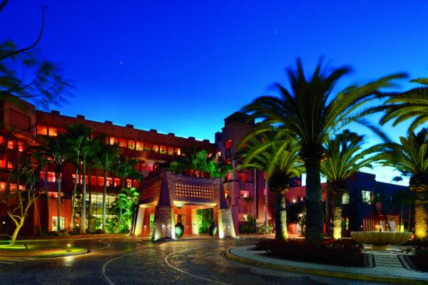 The Ritz-Carlton, Abama unterm Abendhimmel