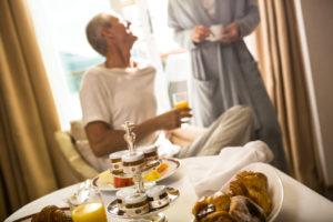 Frühstück in der Suite mit Regent Seven Seas Cruises