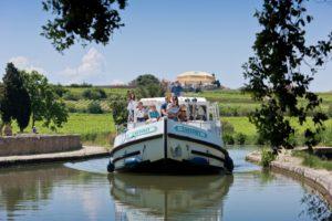Hausboot im Frühling, Canal du Midi © Locaboat Holidays