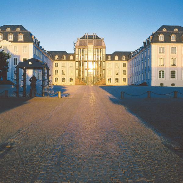 Saarbrücken_Schloss_Abendstimmung_Copyright© QuattroPole, Fotograf Tom Gundelwein