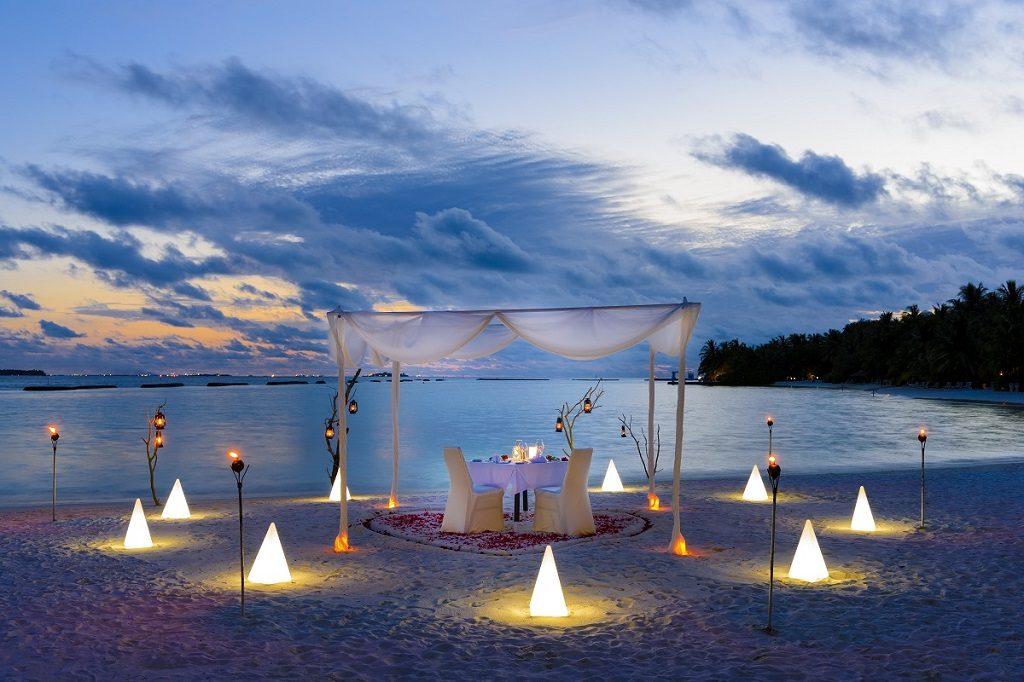 Sheraton Maldives Full Moon Resort & Spa bietet kulinarische Abwechslung im Traumurlaub auf den Malediven