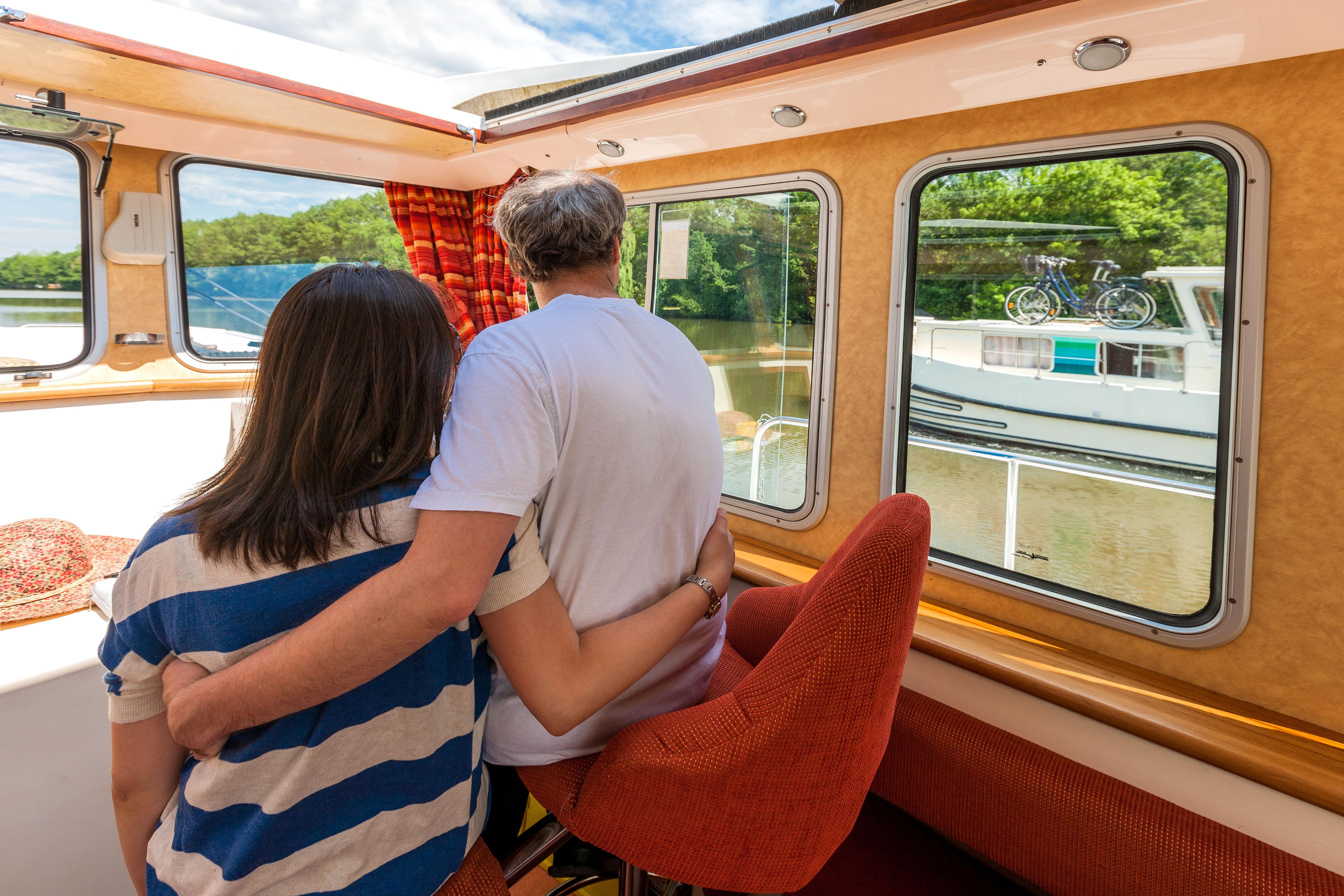 Zweisamkeit an Bord © Locaboat Holidays