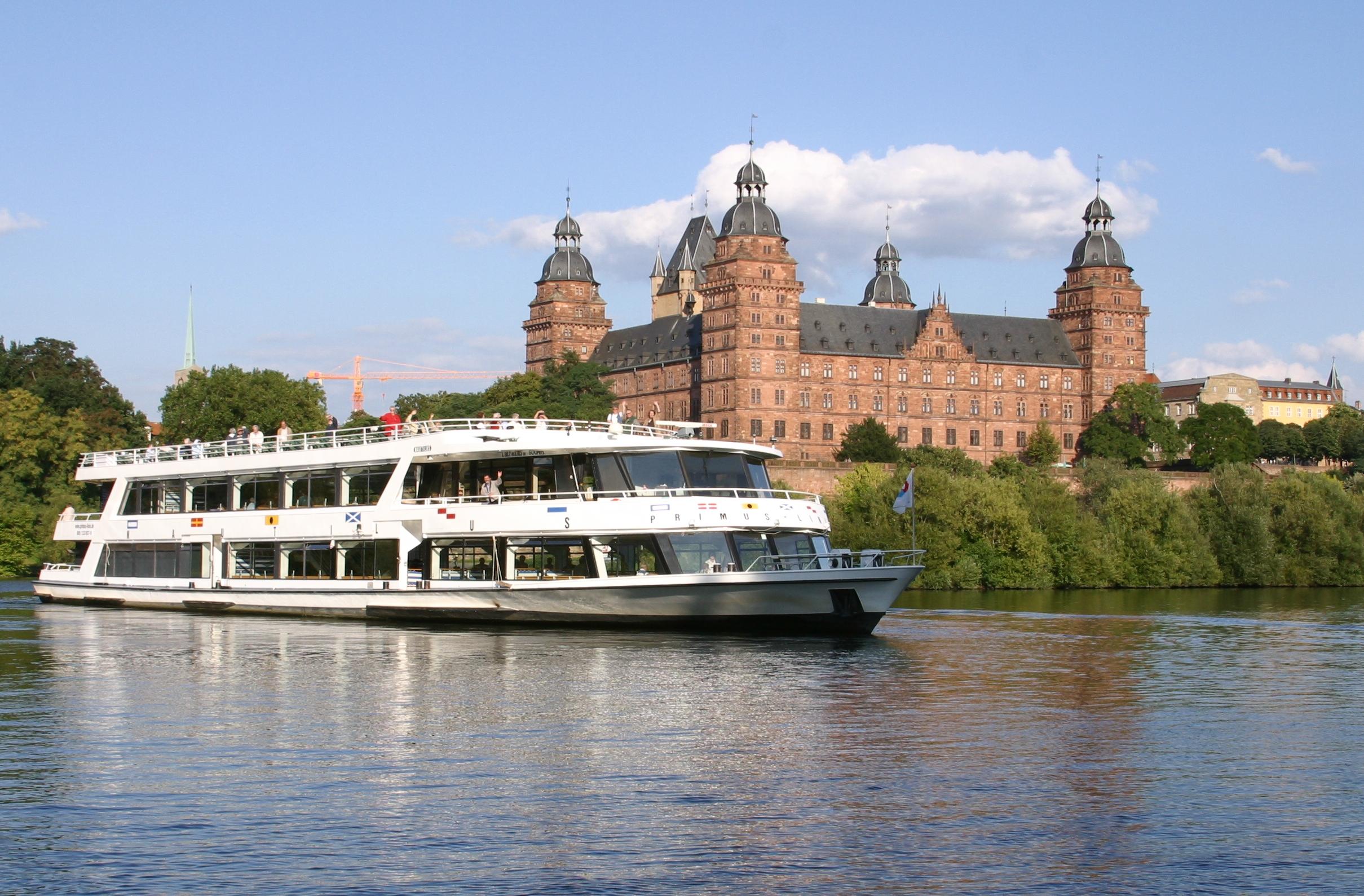 Sommer auf dem Wasser mit der Primus-Linie ©Frankfurter Personenschiffahrt, Primus-Linie