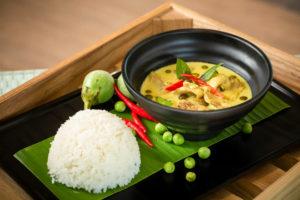 Grünes Thai-Curry mit Hähnchen